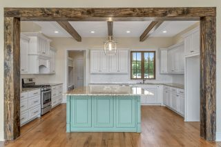 Today we're looking back at this stunning kitchen and home built by home builder Kirby Cole on Garrett Farms Row. 👏🏼👏🏼👏🏼