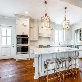 We love these barstools because they blend right in and make for easy clean up! #kitchendesign #louisianahomes #shreveporthomes