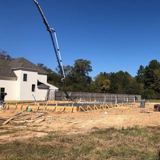 Foundation poured! A new home for sale is now under construction at The Grove. Stay tuned, we will be showing a 3D Rendering very soon showing the beautiful 4 bedroom 3 bath home that will be built here! Home Builder: Vintage Homes⠀ ⠀ Tap the link in bio to view the floor plan!⠀ ⠀ ⭐🏡⭐🔨⠀ ⠀ #Shreveport #ShreveportLA #ShreveportRealEstate #Shreveporthomesforsale #Shreveporthomes #Newhomesforsale #Newhomeconstruction #shreveportnewhomes #grove318 #shreveportrealtors #shreveportrealtor #shreveportbossiercity