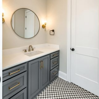 Wouldn't this be a beautiful place for your morning routine? #bathroomdesign #shreveporthomes #grove318