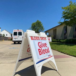 Today/Thursday May 13th from 3-7 pm down the road in Provenance you can help Shreveport's medical community by giving blood! Cute t-shirts (while supplies last) and a sweet treat to all donors!